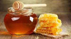 làm-đẹp-da-với-mật-ong